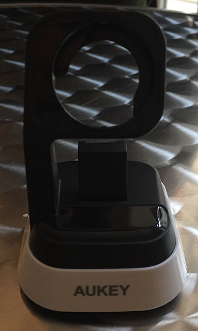 Photo of Apple Watch Dock proposé par Aukey