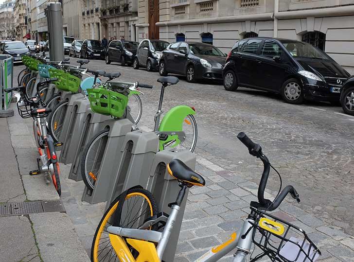Photo of Les touristes étrangers se plaignent du mauvais fonctionnement des Vélib' à Paris