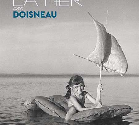 Photo of Allons voir la mer avec Doisneau (Agenda 2020) chez Glénat